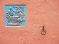 Picture of wall, plaque and ring, Portmeirion, (c) 2008 John Rye